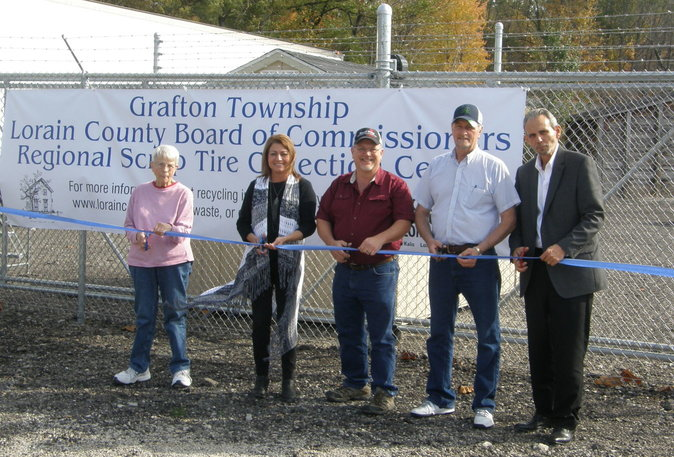 Ribbon Cutting November 2, 2016